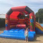Activité pour les enfants, jeu gonflable au camping les Pommiers Pays d'auge, Normandie